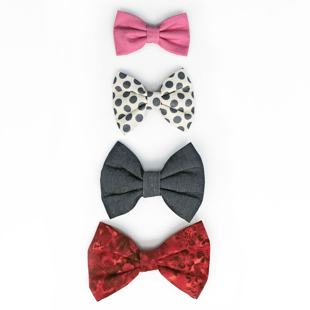Frankie Loves dog bow ties in different sizes